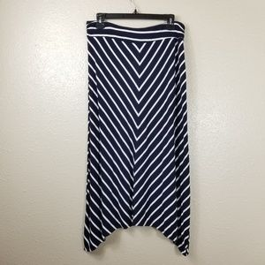 **BUNDLE 2/$25** Liz Claiborne Maxi Skirt